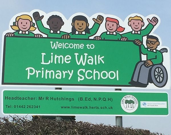 school-sign-hemel-hempstead1EA55AF0-AD36-C183-6A6B-F0D3C4FED15C.jpg